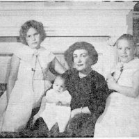 Jane McCoy with Carol, Kate and baby Jane 1958